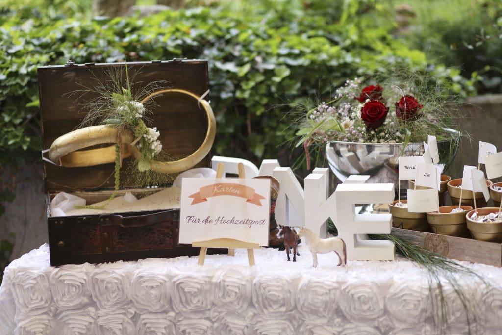 Country Hochzeit Geschenketisch