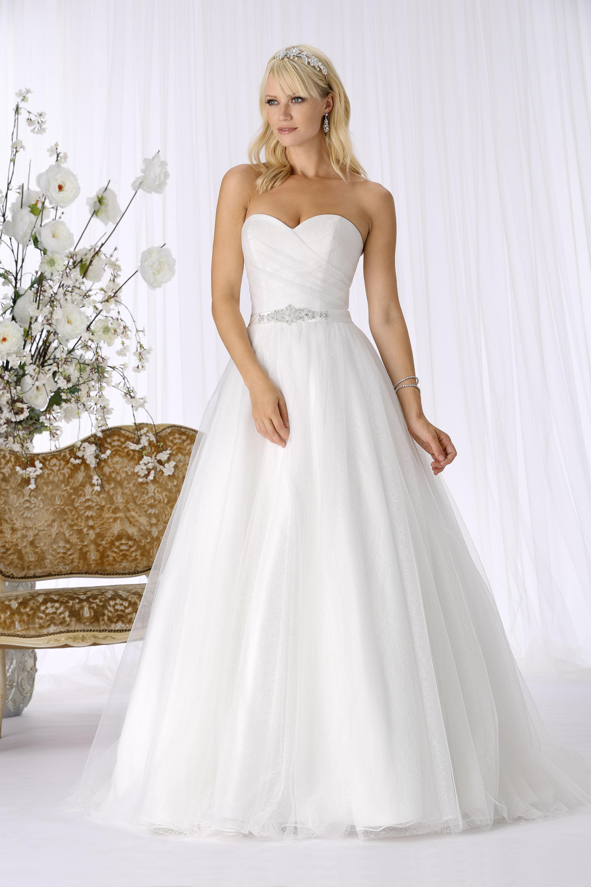 Das Tr¨s Chic Brautkleid 2018 Heiraten & Hochzeit