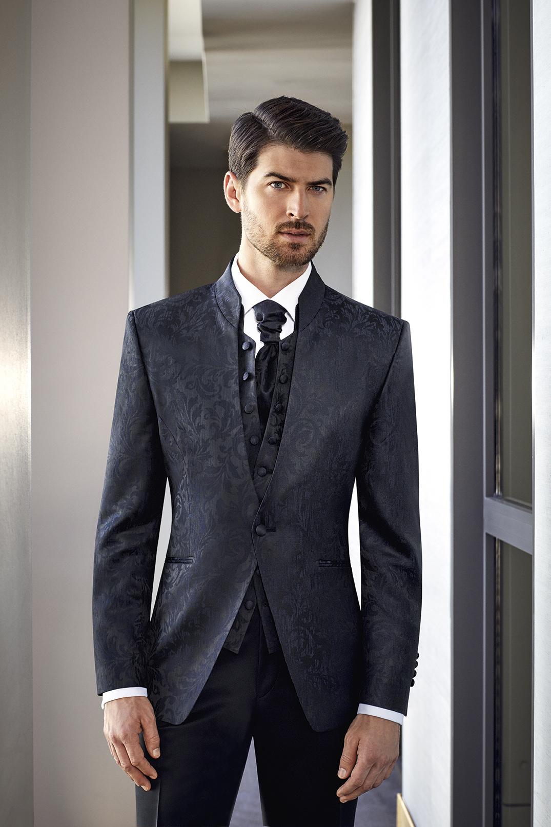 Hochzeitsanzug Wilvorst | Kleid & Kleidung